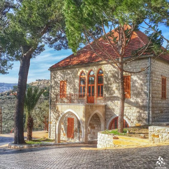 Wall Design Lebanon : A masterpiece of lebanese houses