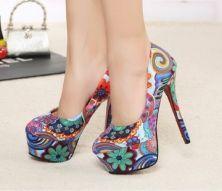 zapatos hippie