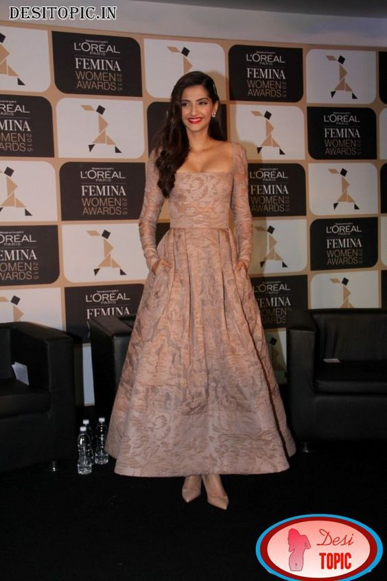 Cute And Hot Actress Sonam Kapoor Latest Photos Check more at http://desitopic.in/celebrities/bollywood/cute-and-hot-actress-sonam-kapoor-latest-photos/