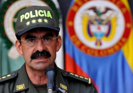 """General Palomino pide """"no politizar las decisiones de la Policía"""""""