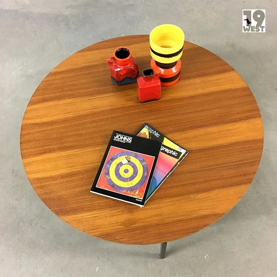 Bald bei www.19west.de: ein Teak Coffee Table aus den 1960's. #19west #tisch #table #designklassiker #vintage #retro #sixties #interior #interiordesign #teak