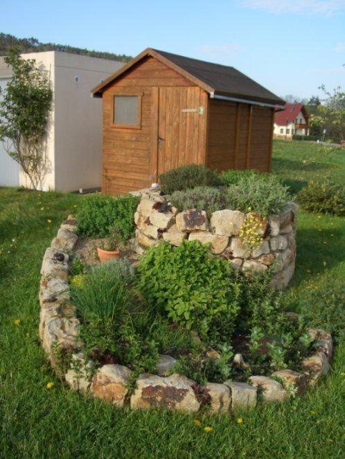 Superb krauterschnecke casar Mediterrane Kr uter Drinnen und drau en Pinterest Gardens Garten and Garden ideas