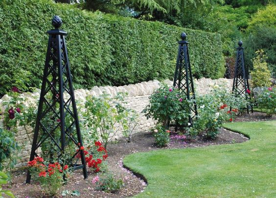 Rosenpyramide Malmaison - Ranksäulen - www.classic-garden-elements.de - Garten Obelisken, Rosenbögen, Rosenlauben, Rankhilfen