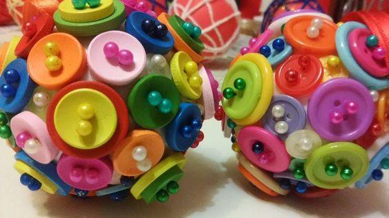 Los Detallitos DGabi, bolas de Navidad de botones, hechas a mano