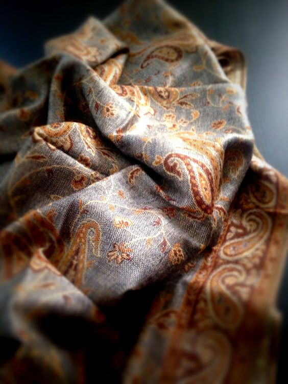 Hey, I found this really awesome Etsy listing at https://www.etsy.com/listing/202587199/antique-gray-paisley-scarf-pashmina