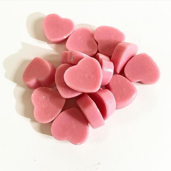 #MiniMini Heart #ChocoIchigo Adorables chocolatitos rosa en forma de corazones. Con sabor a fresa. http://goo.gl/5pUvp4  Cute little heart-shaped pink chocolates. With a strawberry flavor.  #boxfromjapan #BFJMayBox #BFJCajaMayo #golosinasjapon