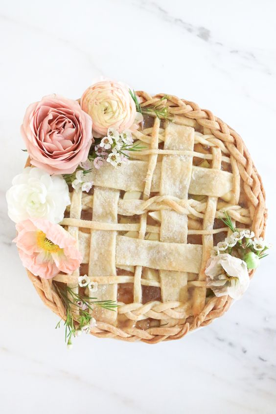 The most perfect pie I've ever seen! || Gorgeous braided floral apple pie. #spring #desserts #weddings