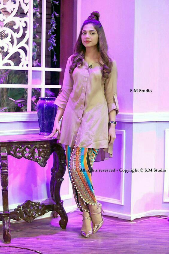Pin By Zainah Zain Khan On Pakistani Fashion Indian Designer Outfits Fashion Pakistani Fashion Casual