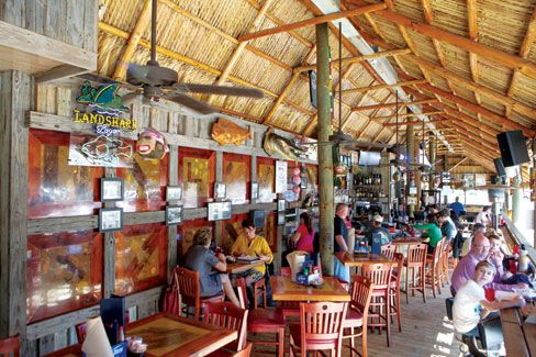 Sarasota s best seafood restaurants walt 39 s fish market for Walts fish market