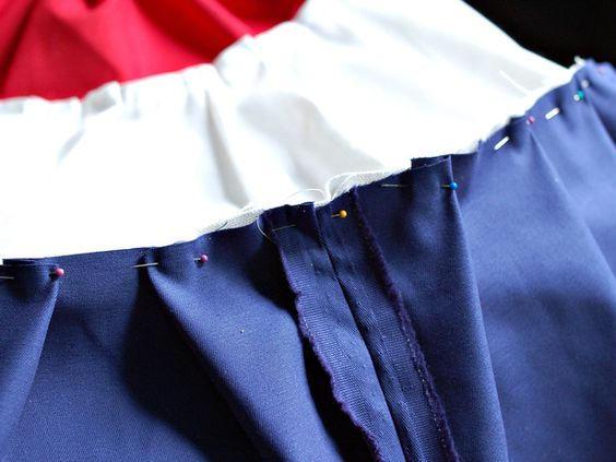 How to Sew Patriotic Red, White and Blue Bunting By Marian Parsons    Forget plastic, store-bought Fourth of July decorations. This year, opt for traditional handmade patriotic bunting. These swags can be made in any size and customized further with applique stars.