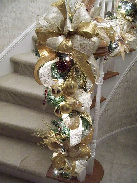 Gold And White Christmas Décor Ideas 7