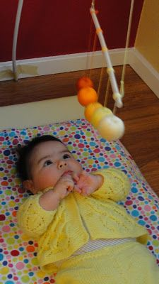 Olives and Pickles: Montessori Baby Mobile # 3 : Gobbi tutorial