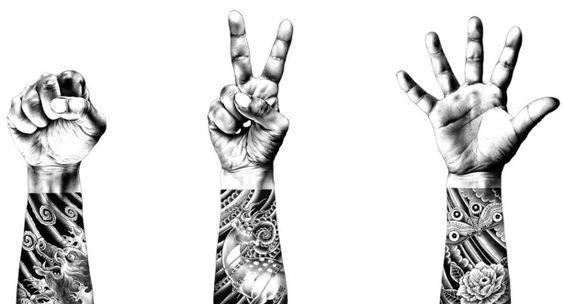Hakuchi é daquele tipo de desenhista que não precisa mostrar todo um porftolio pra conquistar admiradores. Usando apenas caneta esferográfica e com uma noção absurda de proporção, luz e sombra, seus desenhos fortmente inspirados na cultura oriental (afinal de contas o cara é japa) e com um conteúdo violento/irônico são de causar inveja a qualquer aspirante a ilustrador. Ótima fonte de inspiração!!!