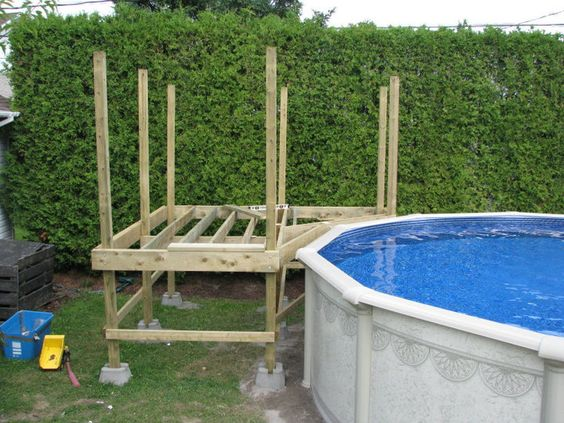 Exemple de deck piscine deck hors terre pinterest for Construire deck piscine