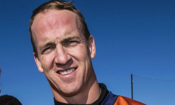 Das Vermögen von Superstar Peyton Manning. Wird er den Superbowl 50 mit seinen Denver Broncos gewinnen?