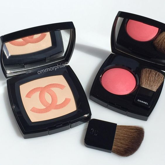 CHANEL Illuminating Powder & Joues Contraste 270 Vibration Powder Blush