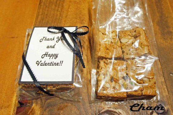 Package for Valentine treat ; Brownie