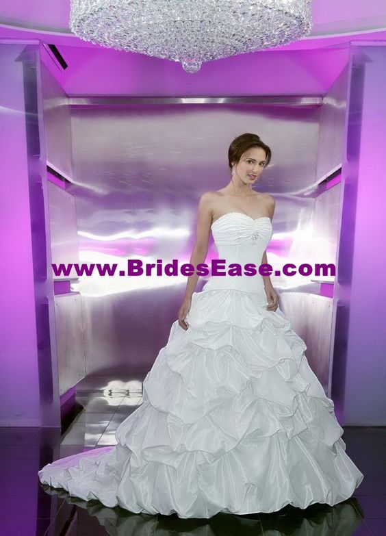 Style T8171 » Wedding Gowns » DaVinci Bridal » Available Colours : Ivory, White
