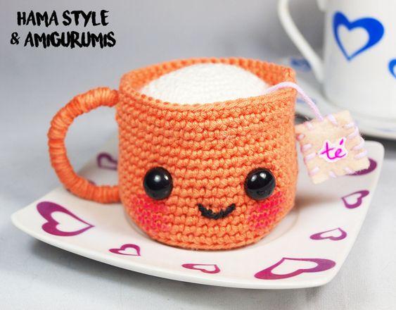 ¡Hola de nuevo!   ¿Os gusta el té? A mi no es que me apasione, pero me encantan las cositas monosas, y...¿hay algo más mono que una tacita ...