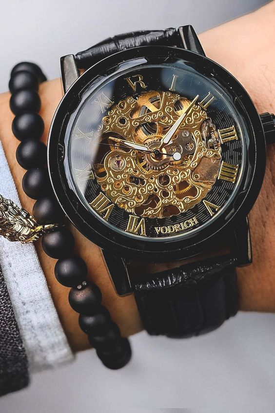 Vividessentials: VODRICH Gatsby Watch - $65.00VODRICH Leaf Charm Bracelet - $25.00 Buy yours here.: