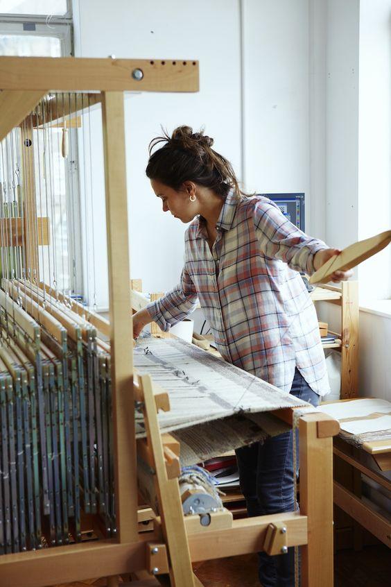 Weaver: Catarina Riccabona    http://www.moderncraftworkshop.com/weaver-catarina-riccabona/