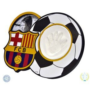 Marco de huellas para bebés del FC Barcelona. Con el que podrás tener la huella y foto de tu bebé con el equipo que más te gusta.