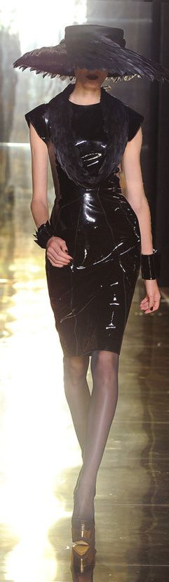 ✜ Georges Chakra 2013 ✜ http://en.vogue.fr/defiles/fall-winter-2012-2013-paris-georges-/real thingchakra/6474/diaporama/show-6/9318/pag