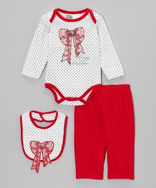 With a mix of big bow appliqués and a darling print, this set treats little cuties like the princesses they are. Snaps on the bodysuit and an elastic waistband on the pants make dressing easy, while the adorable bib ensures that mealtime spills keep from ruining the fun.Includes bodysuit, pants and bibBib: 7'' W x 7.5'' H100% cottonMachine wash; tumble dryImported