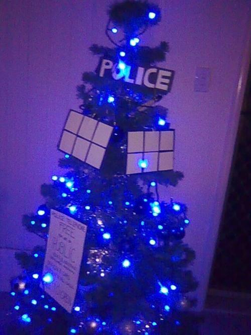 Doctor Who TARDIS Christmas Tree - this is cool!: Tardis Christmas Tree, Blue Christmas, Doctor Who Tardis, Christmas You Re, Trees Gonna, Tardis Tree, Christmas Trees