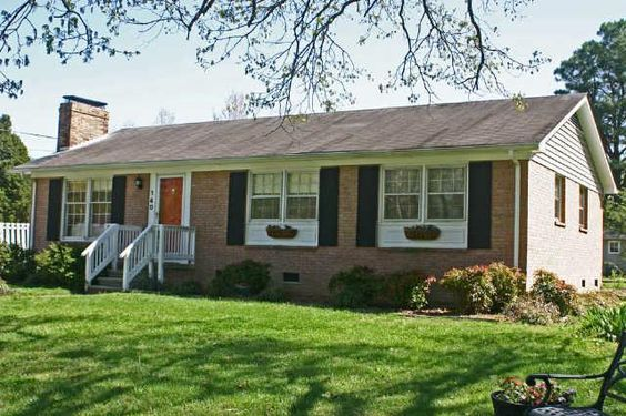 Brick home with spacious screened porch ranch house for Windows for ranch style homes