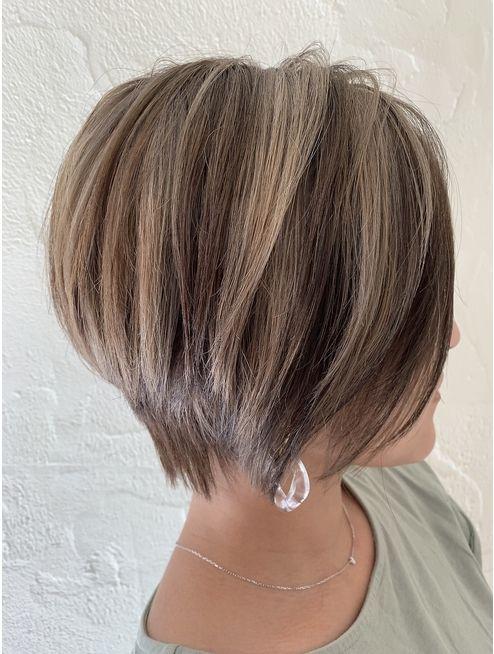 イームズ Eames 外国人風ハイライトメッシュ 髪色 グレージュ 髪