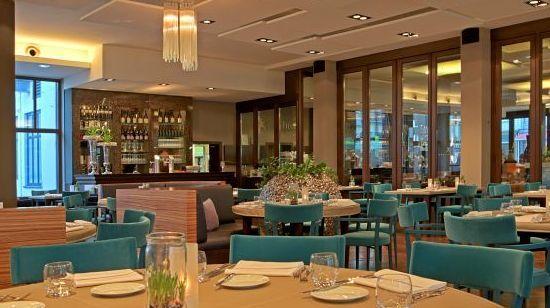 Livingroom. Mehr: http://www.coolibri.de/redaktion/gastro/restaurants/livingroom.html
