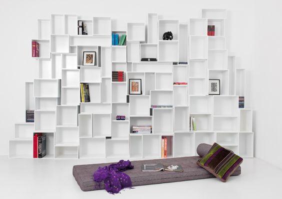 Full wall bookshelf idea