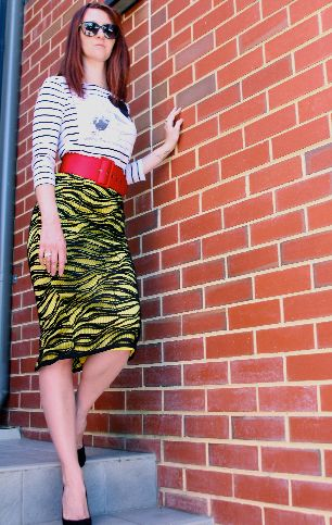 Fluoro yellow and black lace pencil skirt #streetstyle www.fionnuala.com.au