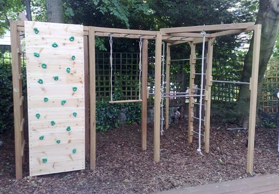 Garden gym equipment - pull up, dip & monkey bars, climbing wall and ropes