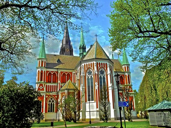 There are a lot of churches in Jonkoping even though religion is relatively absent.  The churches are used for mostly weddings and landmarks