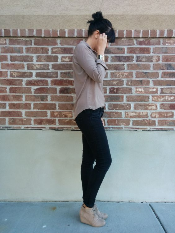 Black Skinny Jeans Taupe Blouse Taupe Ankle Boots