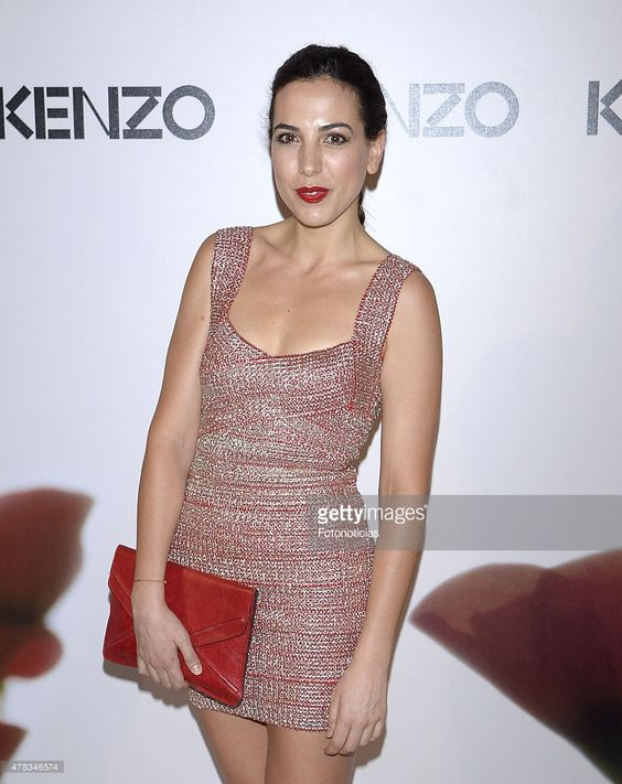 alicia-rubio-attends-the-kenzo-summer-party-at-giner-de-los-rios-on-picture-id478346574 (812×1024)