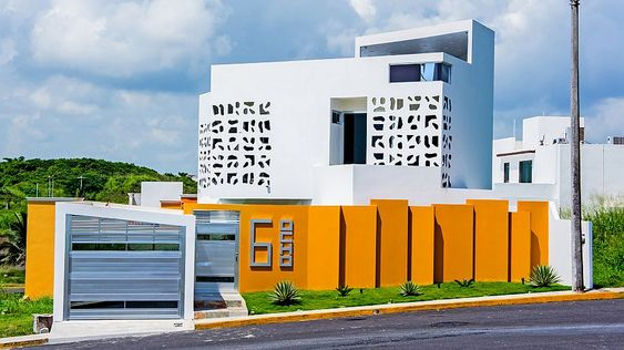 Street facade of the Nest House in Alvarado Veracruz Creativity and Cultural Heritage: The Nest House in Mexico