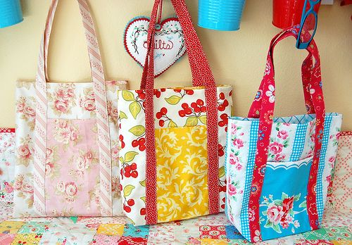Quirky bags from 3 fat quarters, and the best part? The PDF instructions are super clear!@Meghan Cannon_Johann