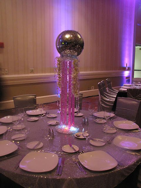 Themed parties discos and party centerpieces on pinterest for 70s theme decoration ideas