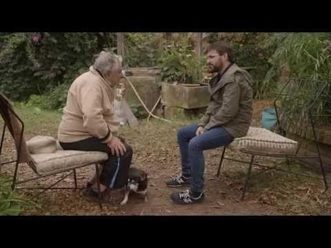GRANDE José Mujica, Presidente de Uruguay, un ser humano entrañame y con un corazón bondadoso y alma, emanando pura verdad. Puedo estar o no más o menos de acuerdo con su estilo de vida, con lo que dice pero si que es algo que hecho mucho de menos en un político: la VERDAD y la TRANSPARENCIA.