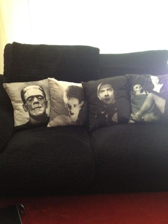 Home Design: cool decorative pillows featuring old horror films. I want to do this with my fav bands