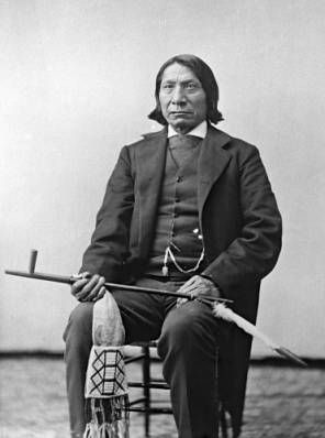 account of the conflict between the us army and the native americans oglala sioux Native indians 1860-1900 tensions between new settlers and native americans were rising they were massacred by the us army about 300 native indians were.
