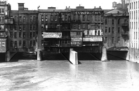 """The """"Main Street Bridge was the only one of its kind in the United States, and likened it to the famed Ponte Vecchio in Florence, Italy."""""""