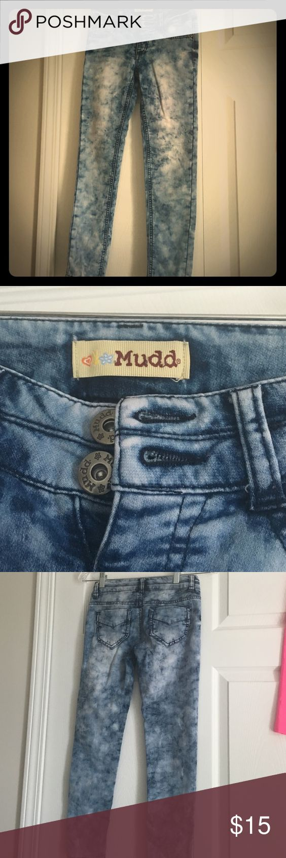 😉NWOT Acid Wash Jeans!❤️ BUNDLE THIS WITH ANOTHER SHIRT/PANTS FOR 10% OFF! These acid wash jeans are size 10. They fit VERY comfortably with nice, soft material. No holes/rips/stains in this pair of jeans!❤️ Mudd Bottoms Jeans