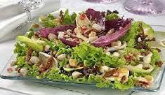 Tempero Baiano da Laudiceia: Salada de Folhas com Atum e Granola
