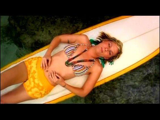 Jennifer Nettles Bikini 10