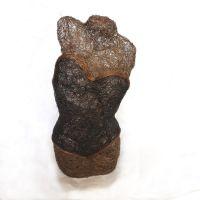 Buste en fil de cuivre par Laura,  du collectif Mano libre, Cuba