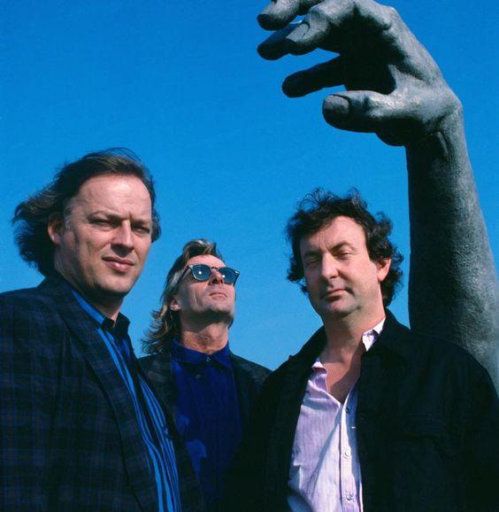 Pink Floyd                                                       …
